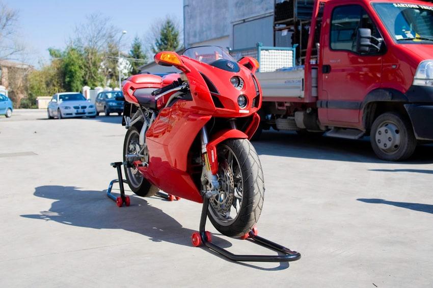 Guarda i cavalletti firmati Cavalleretti racing Parts su Flickr